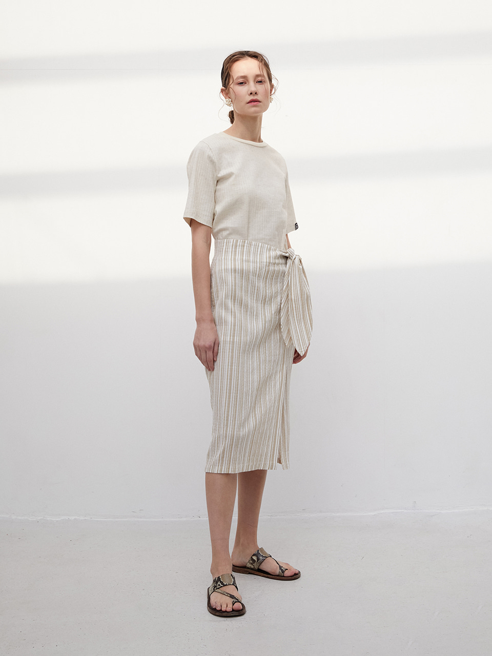 3R Premiun Modal Stripe Twist Ribbon Skirt - Ivory