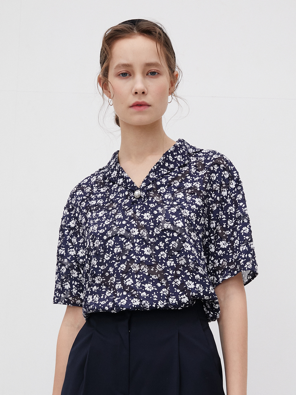3R Flower See-through Lace Blouse