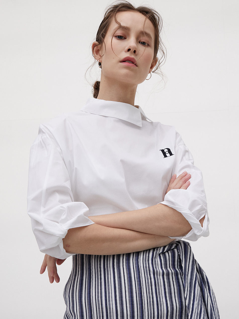 Sleeve Twist Shirt [White]